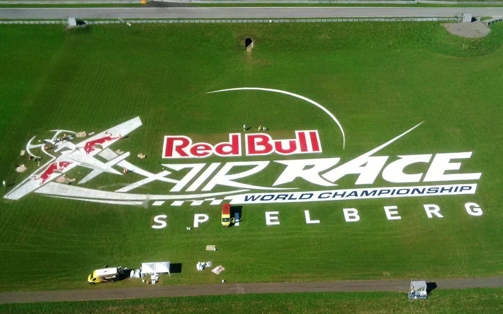 Bird view handpainted grass branding Red Bull Air Race Spielberg Austria | Mural malowany na trawie - RedBull Air Race Austria | Portfolio