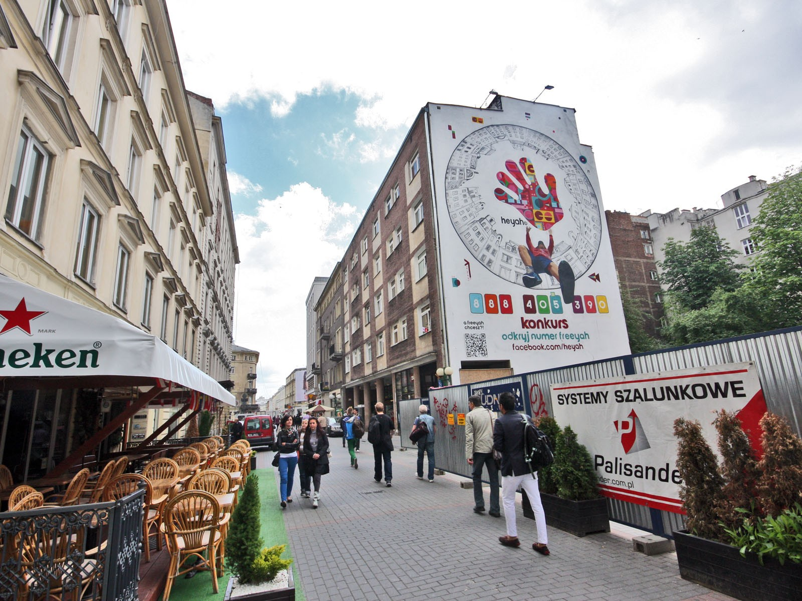 Freeyah advertising mural - Warsaw Chmielna street | Freeyah | Portfolio
