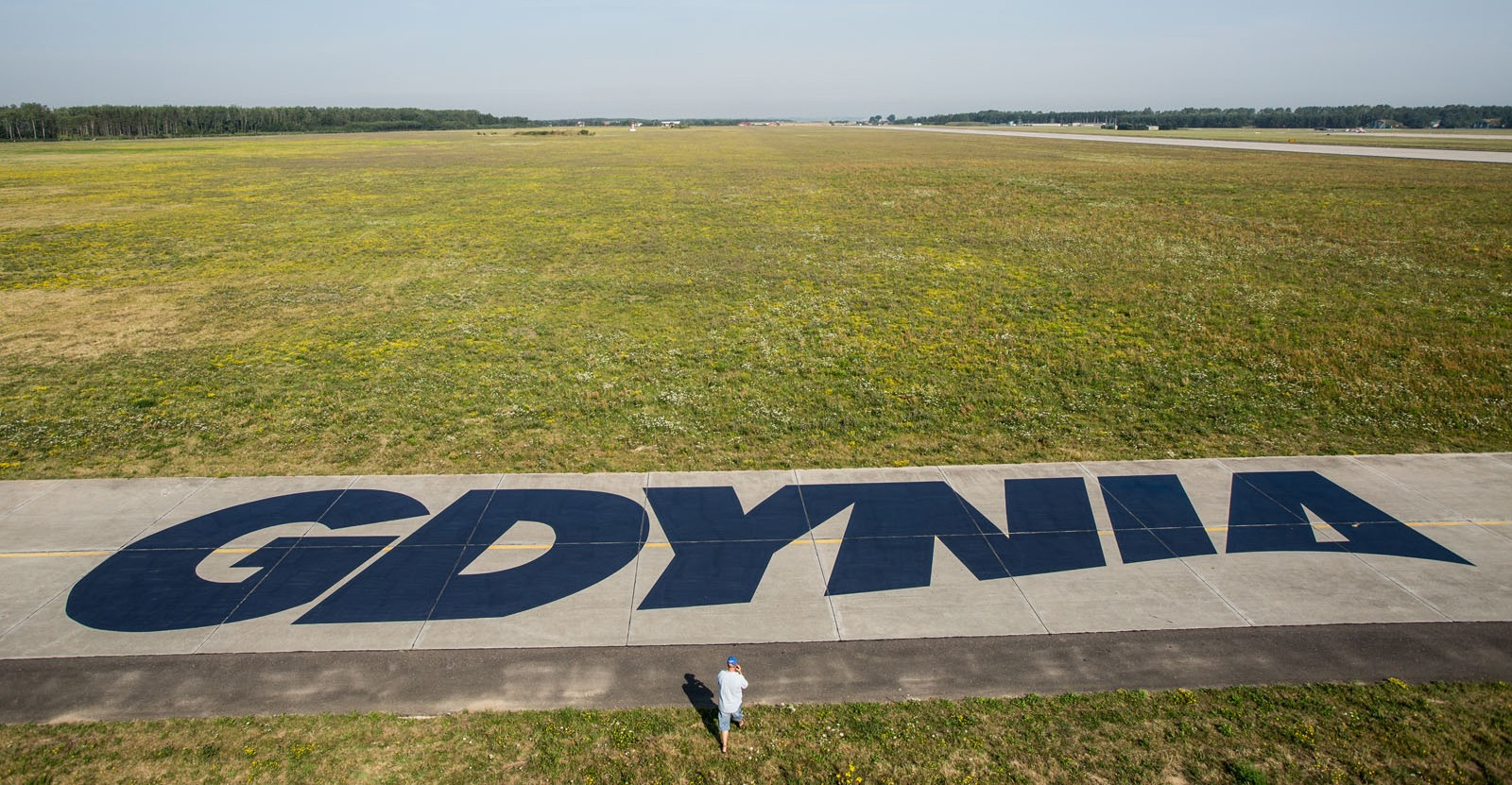 Gdynia airstrip at the airport Redbull Air Race | Mural malowany na trawie - RedBull Air Race Austria | Portfolio