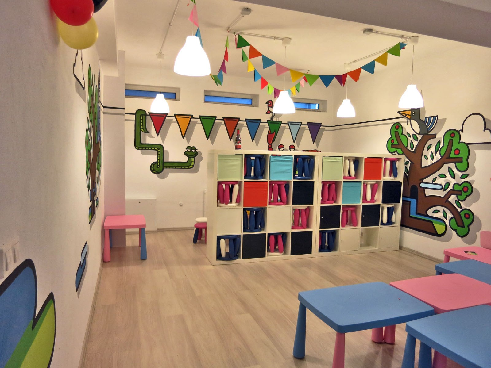 City Zoo wall design on children's playroom walls - Stara Milosna | Playroom | Portfolio