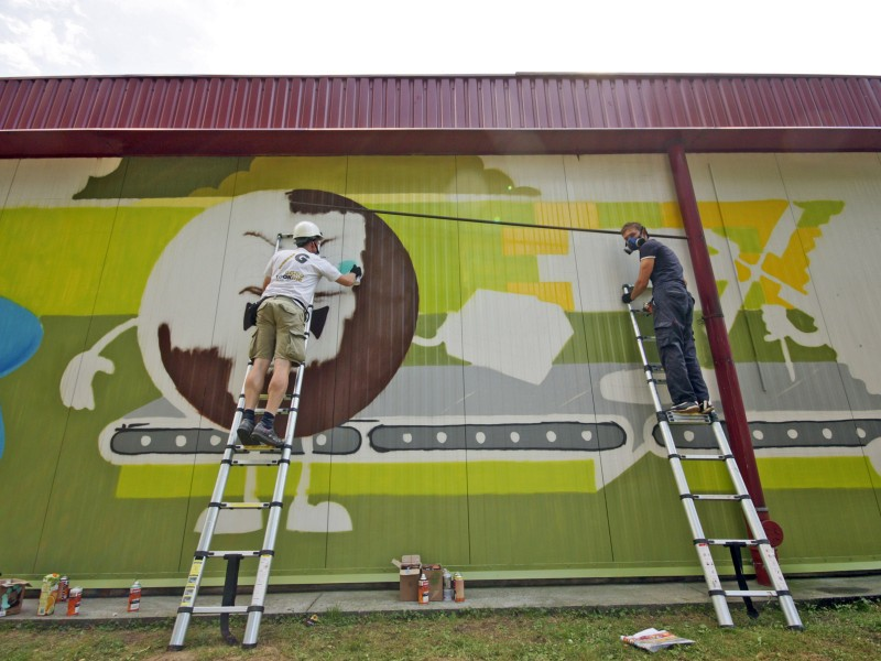 Painting mural - The Cookie Factory Mondelez - Jaroslaw | The Cookie Factory | Portfolio