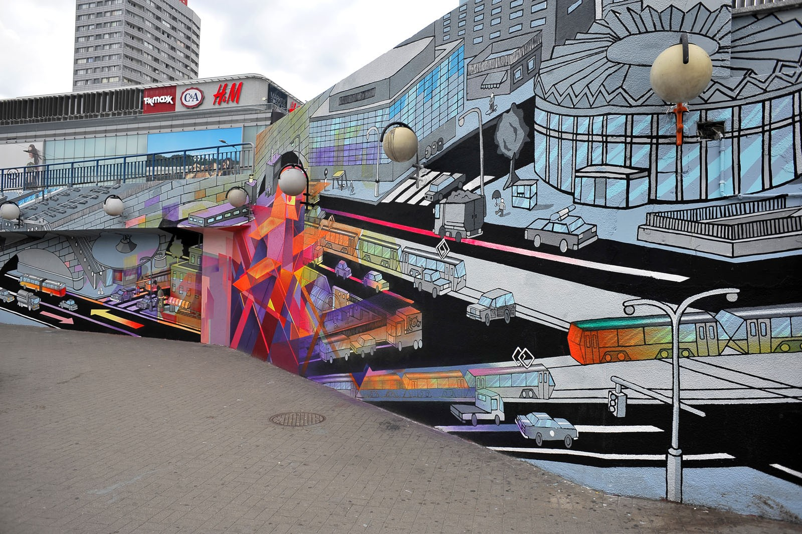 Painting on the walls next to Centrum subway station in Capital City of Poland for Samsung Tab | Long live color! | Portfolio