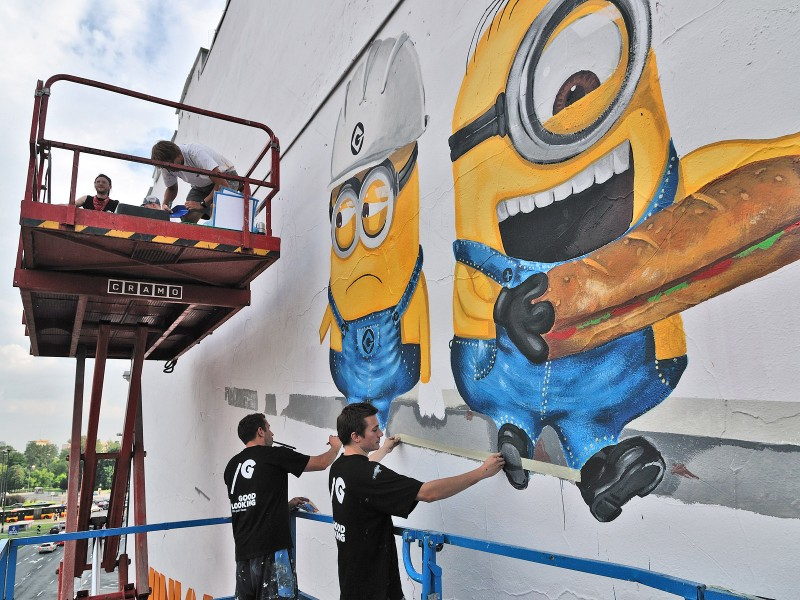 Mural Despicable Me 2 in Warsaw Politechnika subway station | The Smurfs 2 & Despicable Me 2 | Portfolio