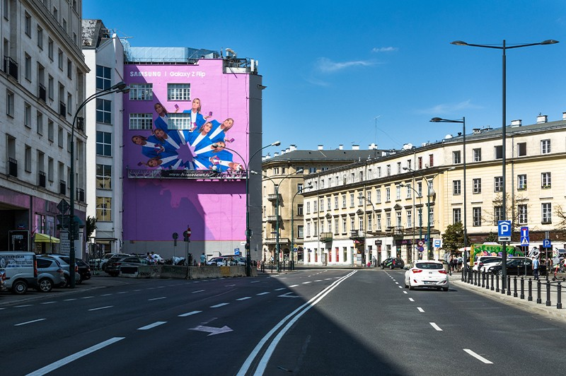 Mural with Maffashion for Samsung on Bracka street | Samsung Galaxy Z Flip | Portfolio