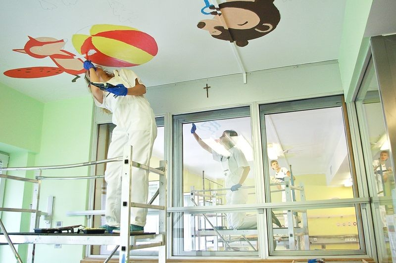 Ceiling Operation - The Children's Memorial Health Institute wall design | Ceiling Operation - The Children's Memorial Health Institute | CSR | About us