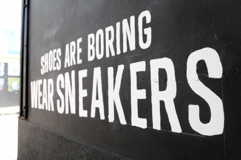 Shoes are boring wear Sneakers Converse Pawilony na Nowym świecie Warszawa | murale dla firm - Converse #sneakerswould | Portfolio