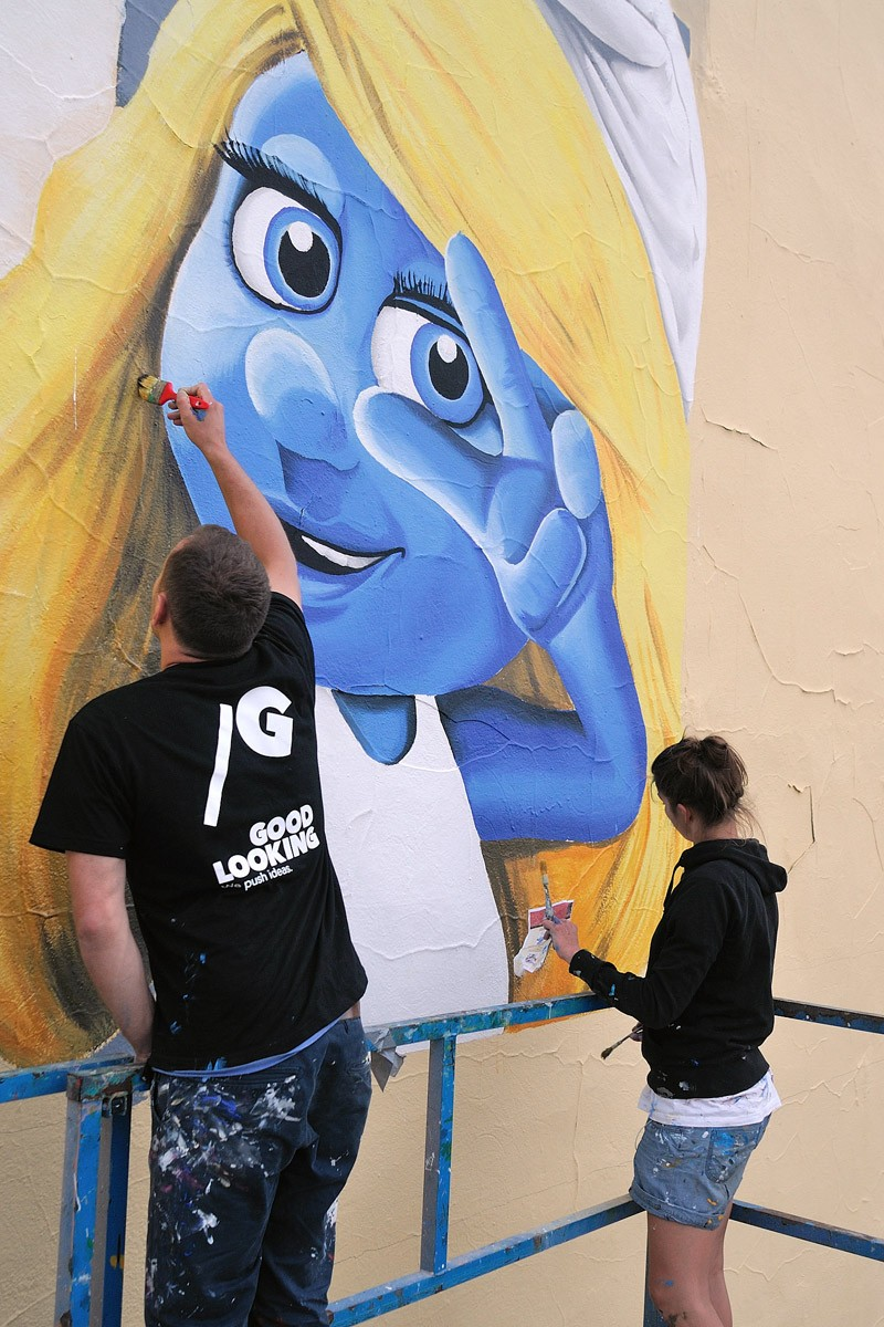 United International Pictures mural The Smurfs 2 in Warsaw | The Smurfs 2 & Despicable Me 2 | Portfolio