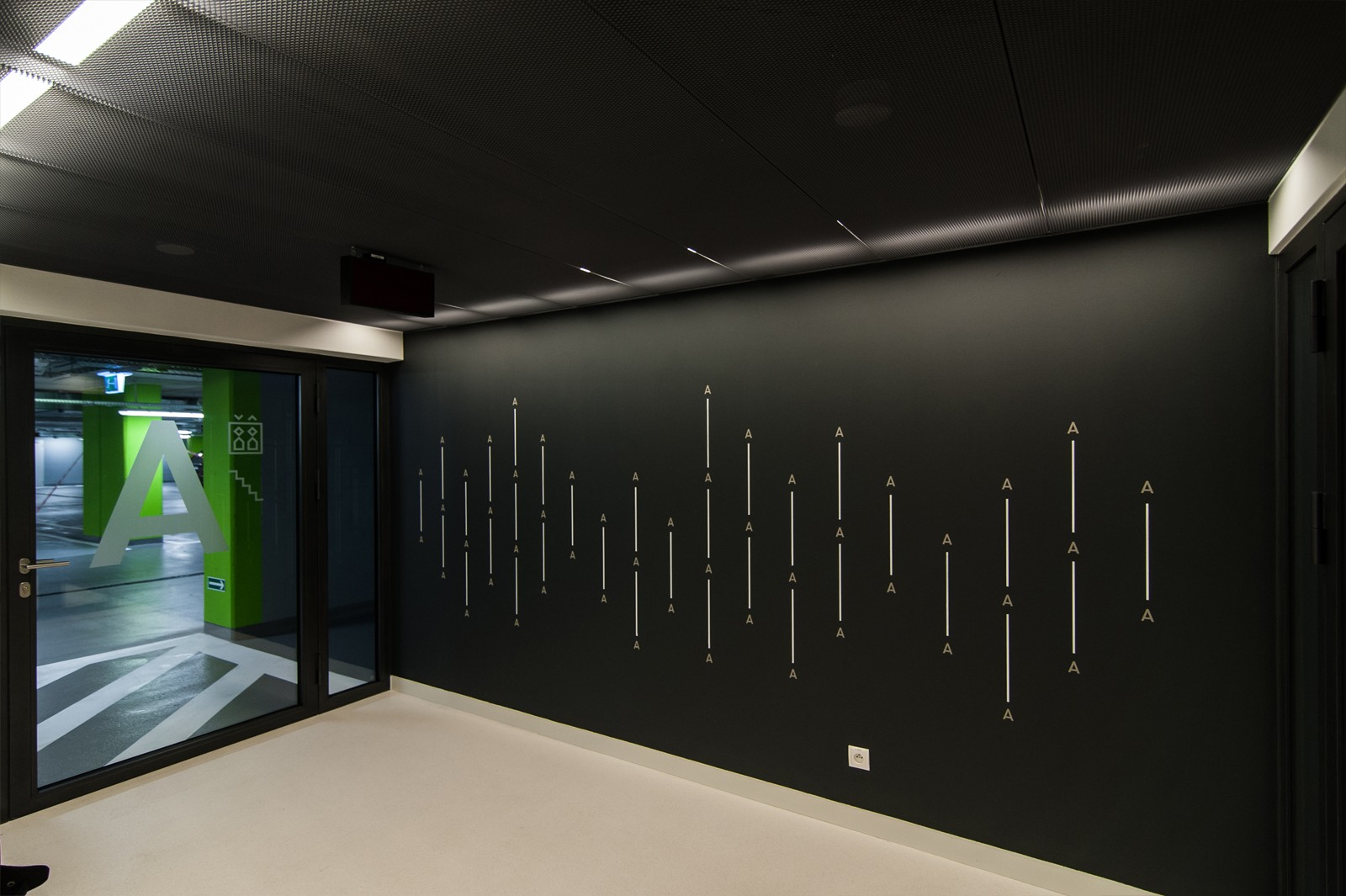 Wall design in Wilanow residence in Warsaw | Capital Park in Wilanow | Portfolio
