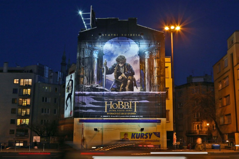 Mural The Hobbit The Battle of the Five Armies Politechnika subway station in Warsaw Polna street | Advertising murals | Our offer