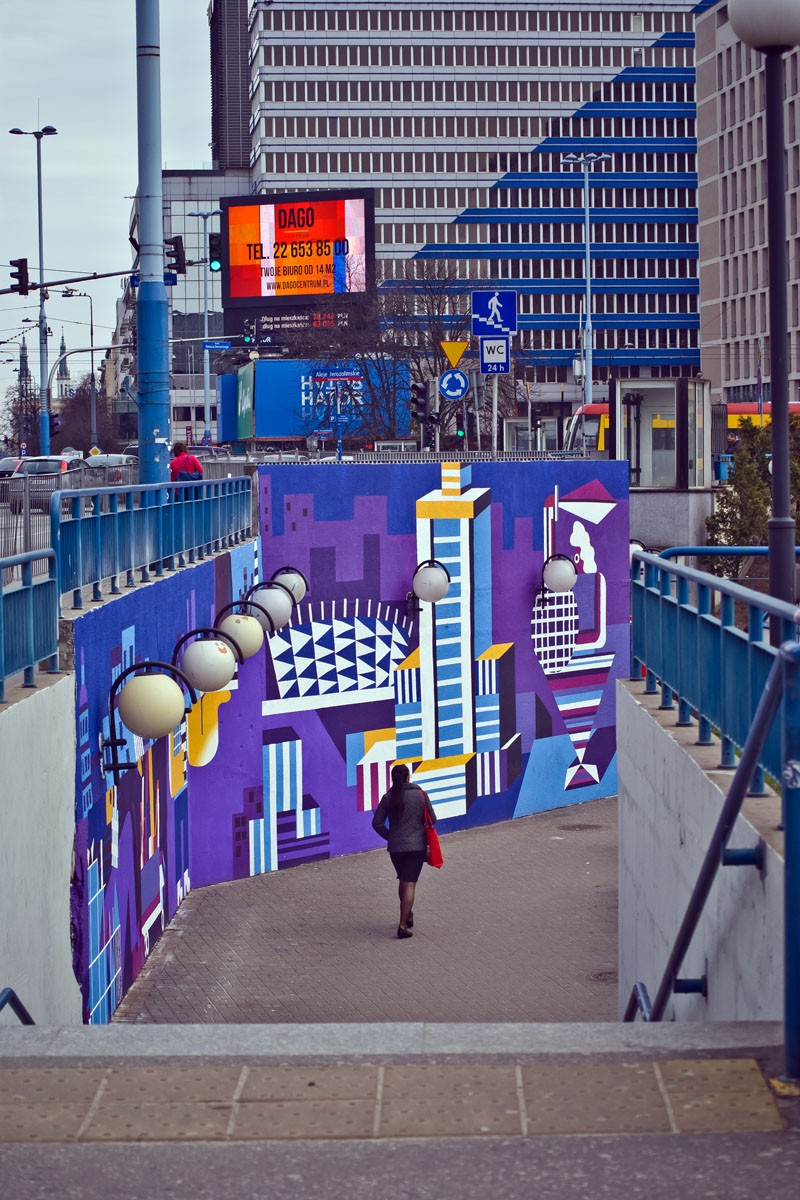Artistic graffiti in the crossing to Centrum subway station in Warsaw | Link passions and change the city | Portfolio